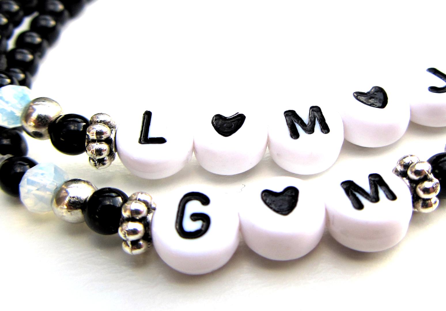 Voorkeur Initialen armband zwart wit letters hartje monochroom Sieraden HI66